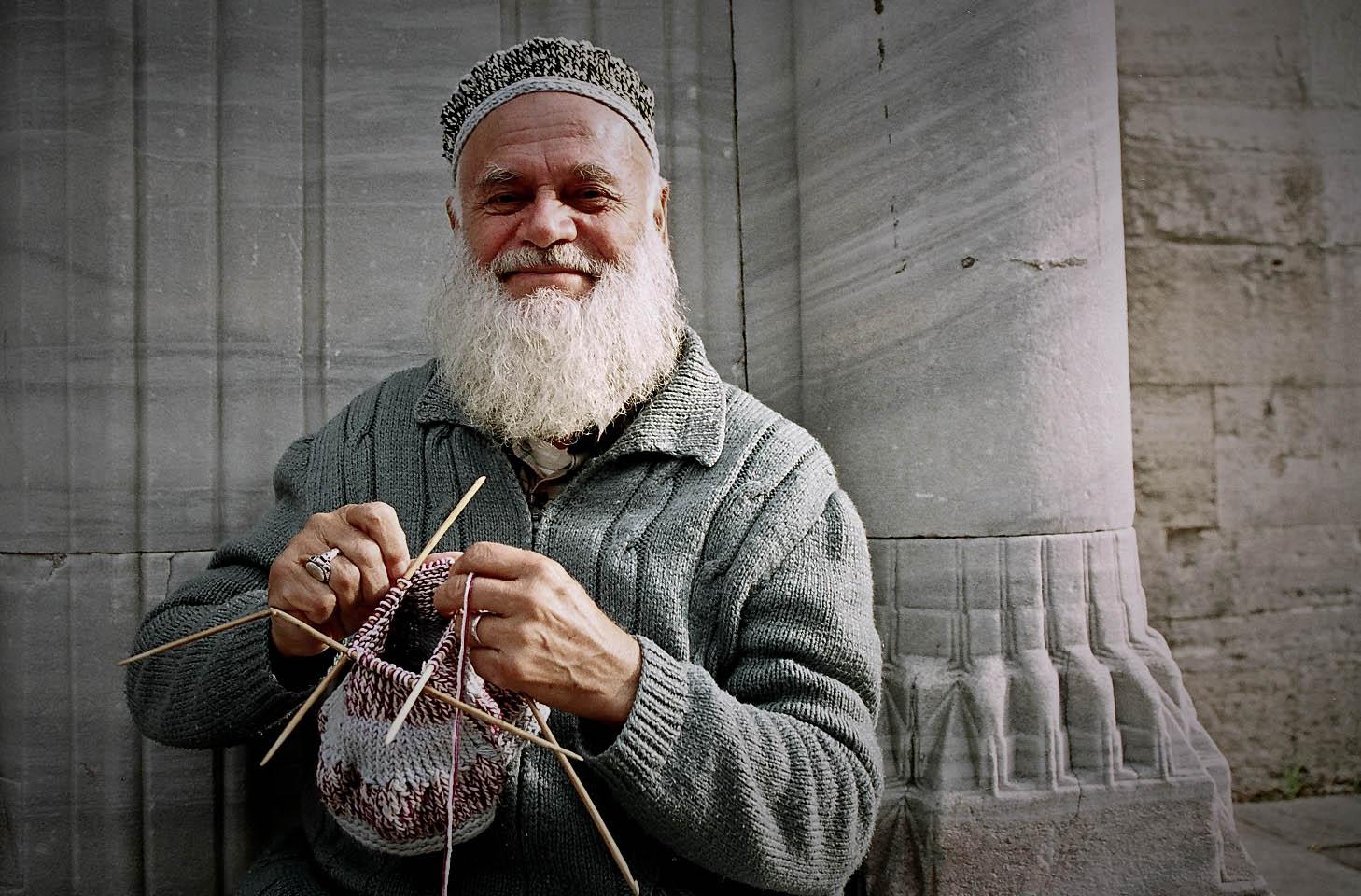 Knitting Man : The knitting man